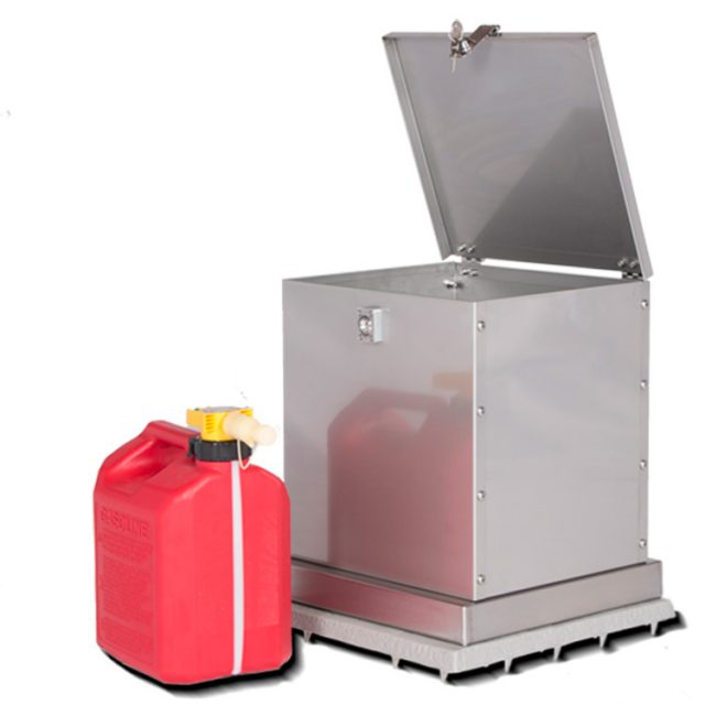 Gasoline container with optional pad